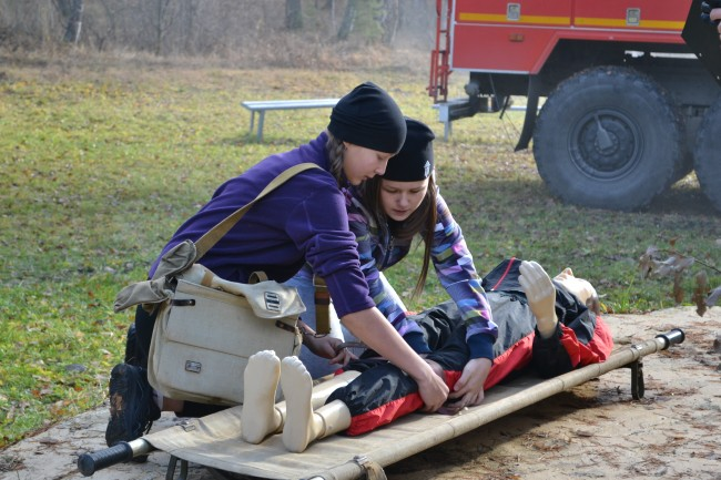 На озере Еланчик прошла областная Спартакиада кадетских классов «Юный спасатель»